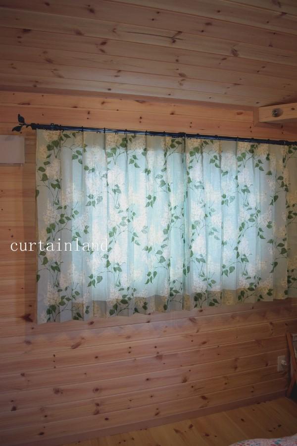 花柄カーテン閉