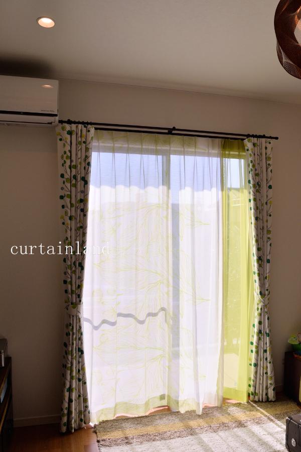 グリーンのレースカーテン
