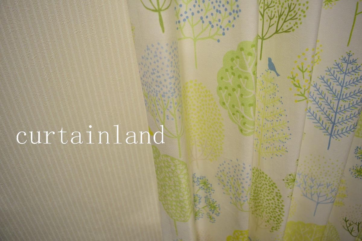寝室壁紙とカーテン