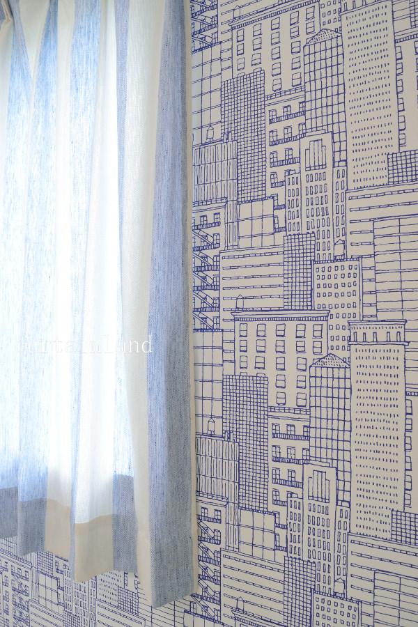 壁紙FE4013とカーテン