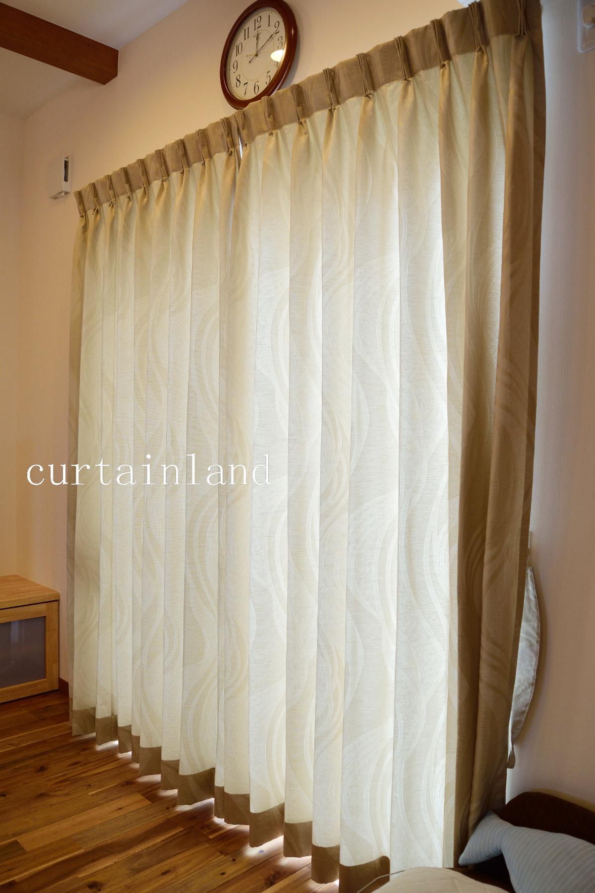 ベージュのジャガードカーテン