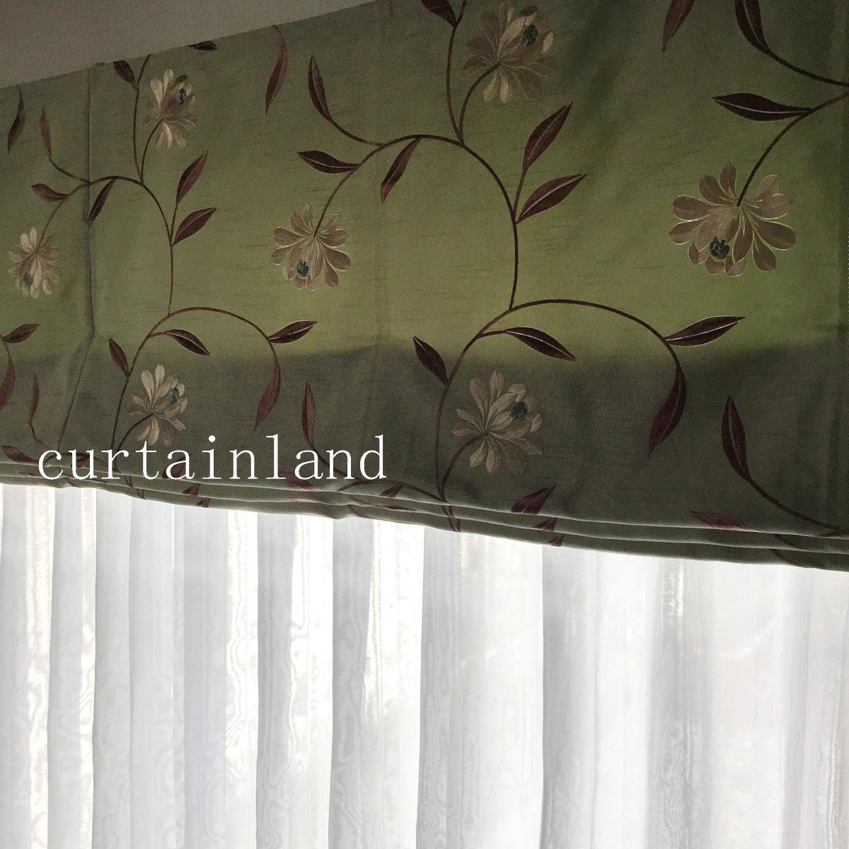 グリーンの花柄刺繍ローマンシェード