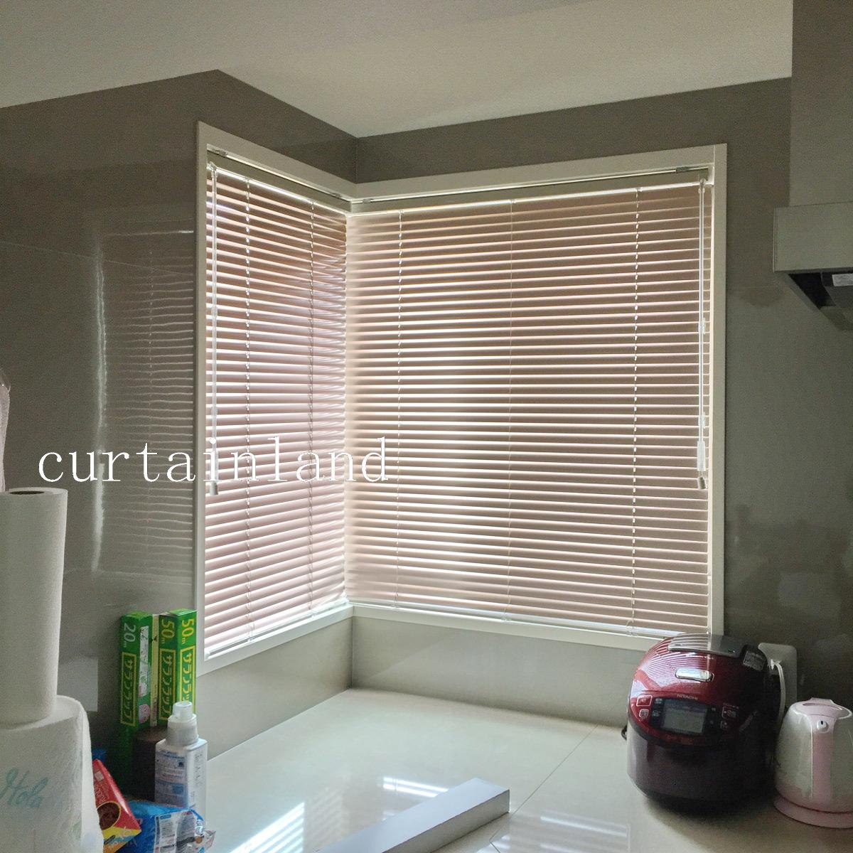 キッチンL型窓の施工事例