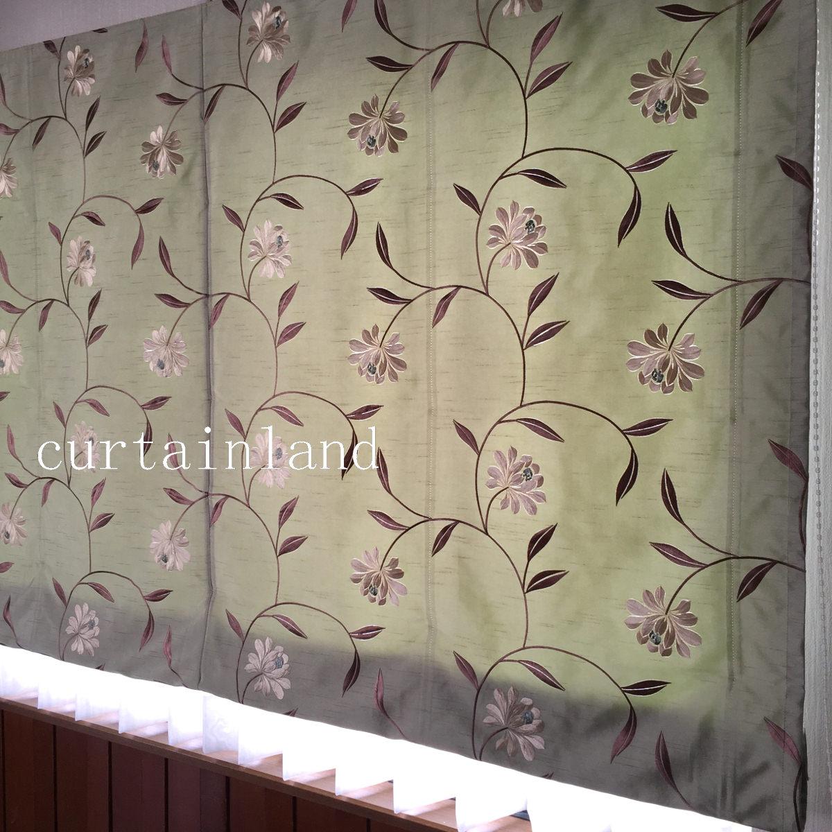 グリーンの花柄刺繍カーテン