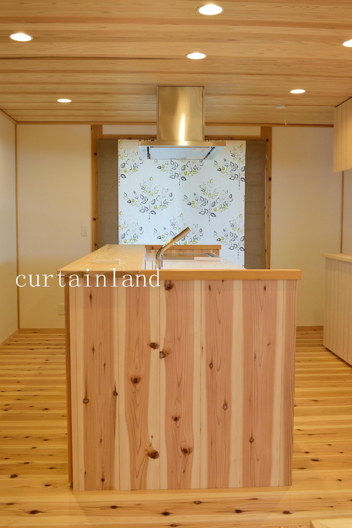 杉板のオーダーメイドキッチン