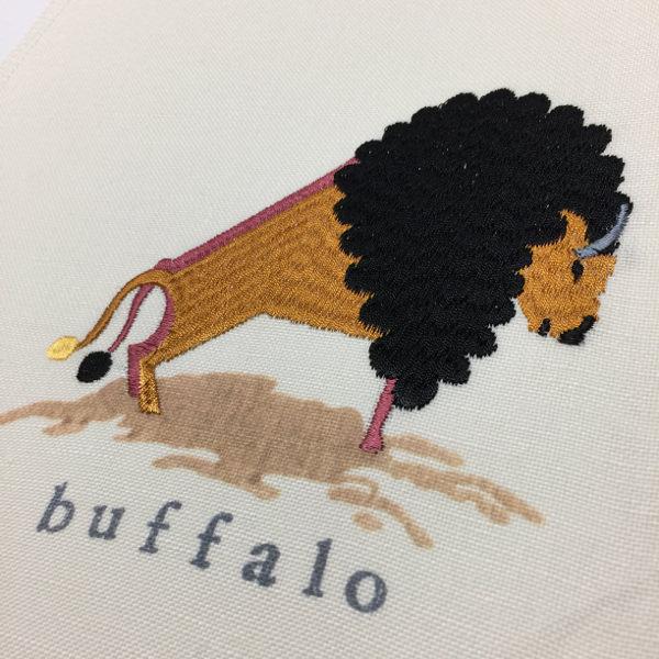 バッファロー刺繍生地カーテン