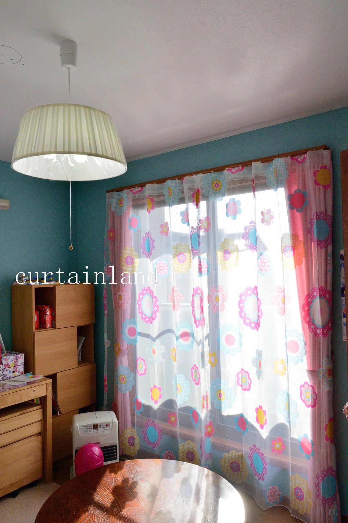 ブルーの壁の子供部屋
