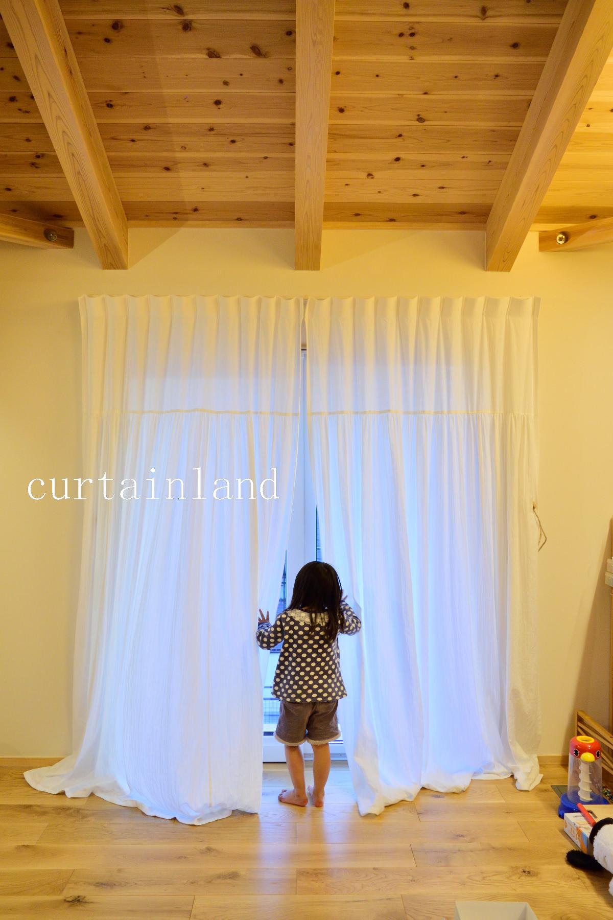 子供部屋のホワイトコットンカーテン