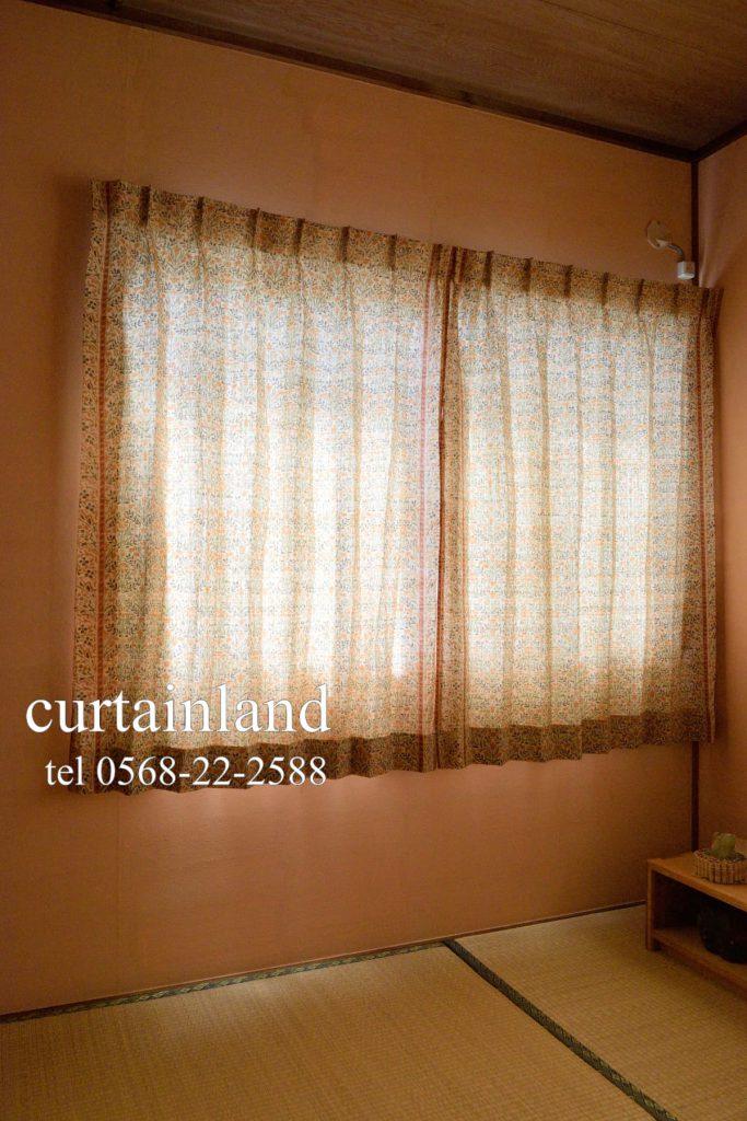 タタミとモリスカーテン