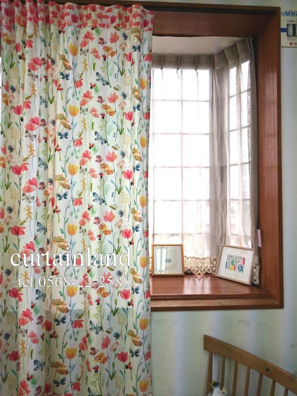 イギリス製花畑と虫たちのカーテン