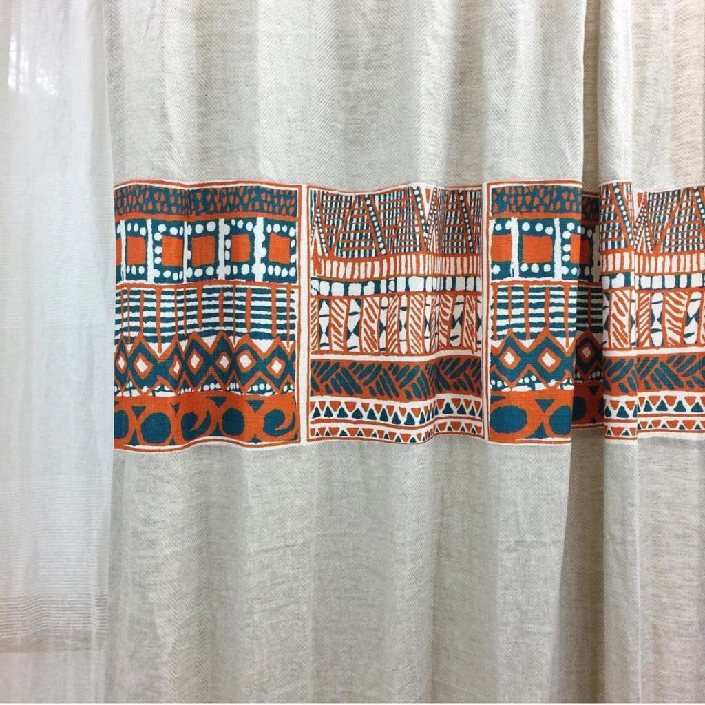 ウィンドウボーダーデザインカーテン