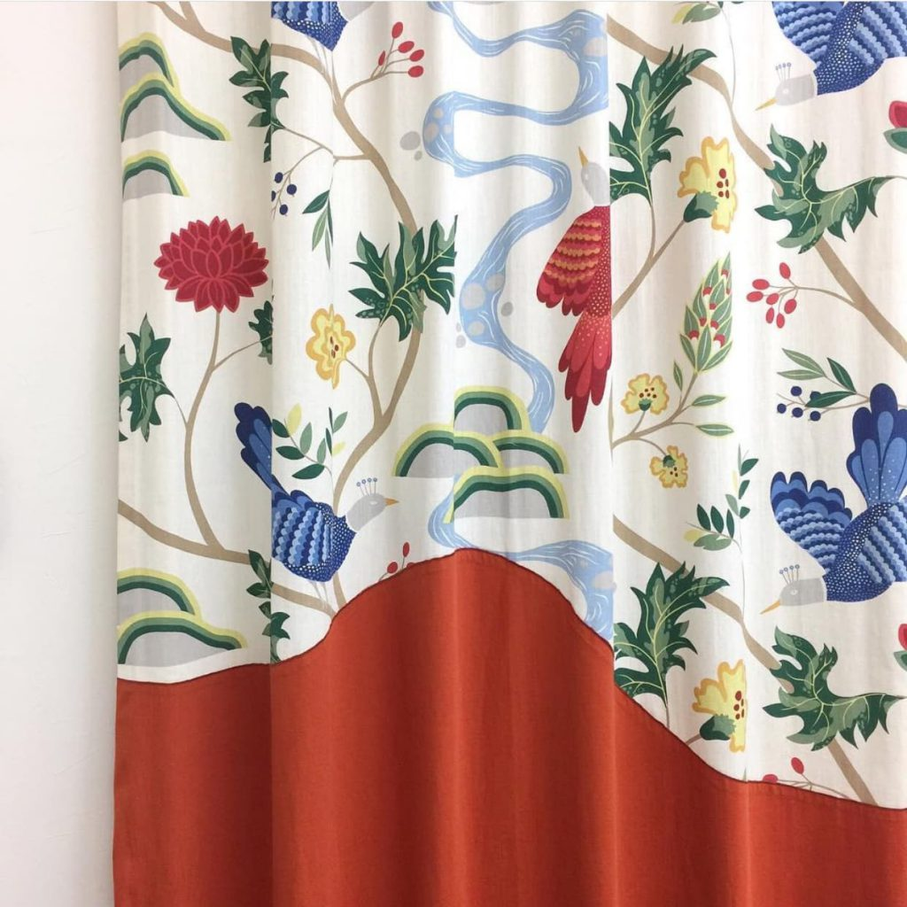 スプラインボーダーデザインカーテン