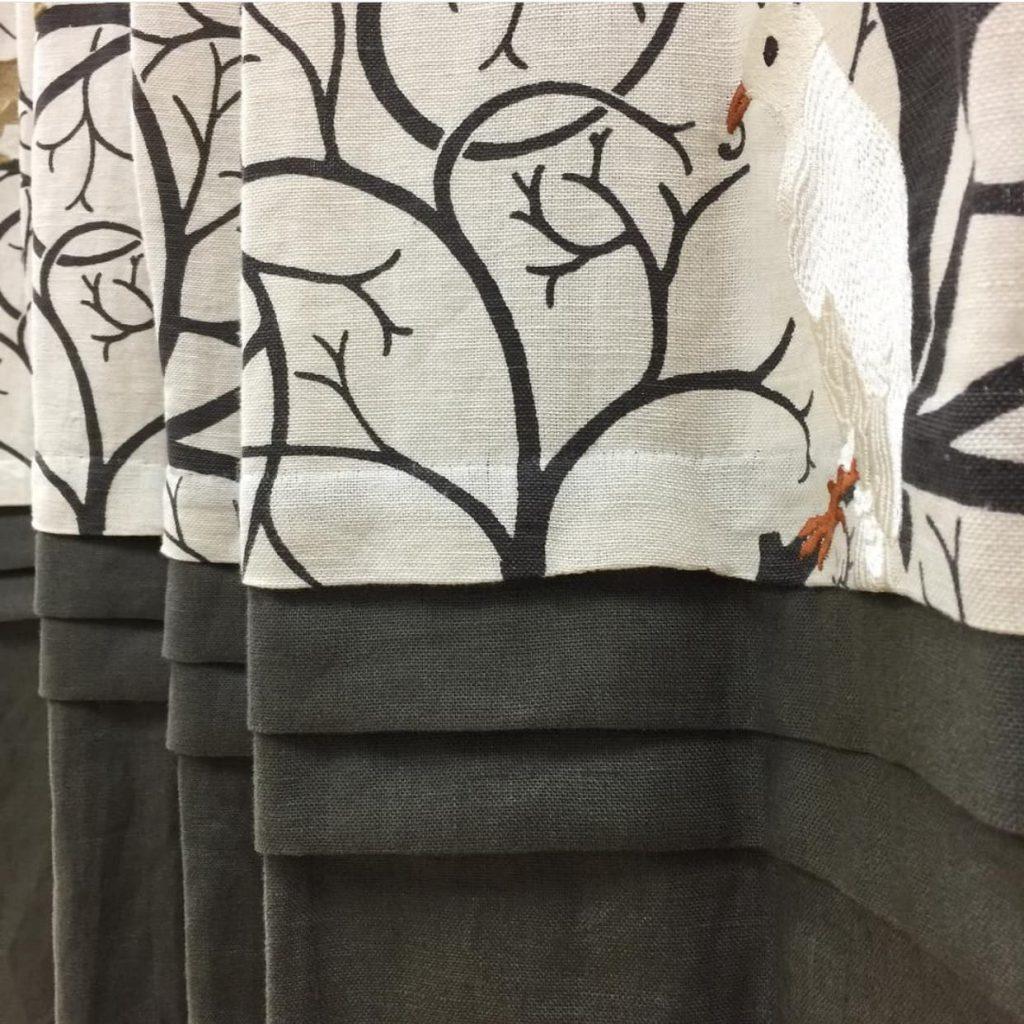 3段タック切り替えデザインカーテン